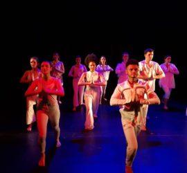 Les élèves de la formation professionnelle API:-) Comédie Musicale en spectacle de fin d'année sur scène